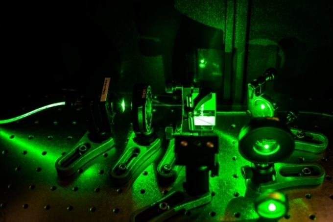 New Technique for High-Precision Measurement of Atomic-Scale Magnetic Fields