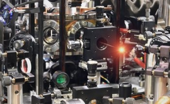 New Study Reveals Atom in a Cavity Extracts Very Pure Single Photons from Weak Laser Light